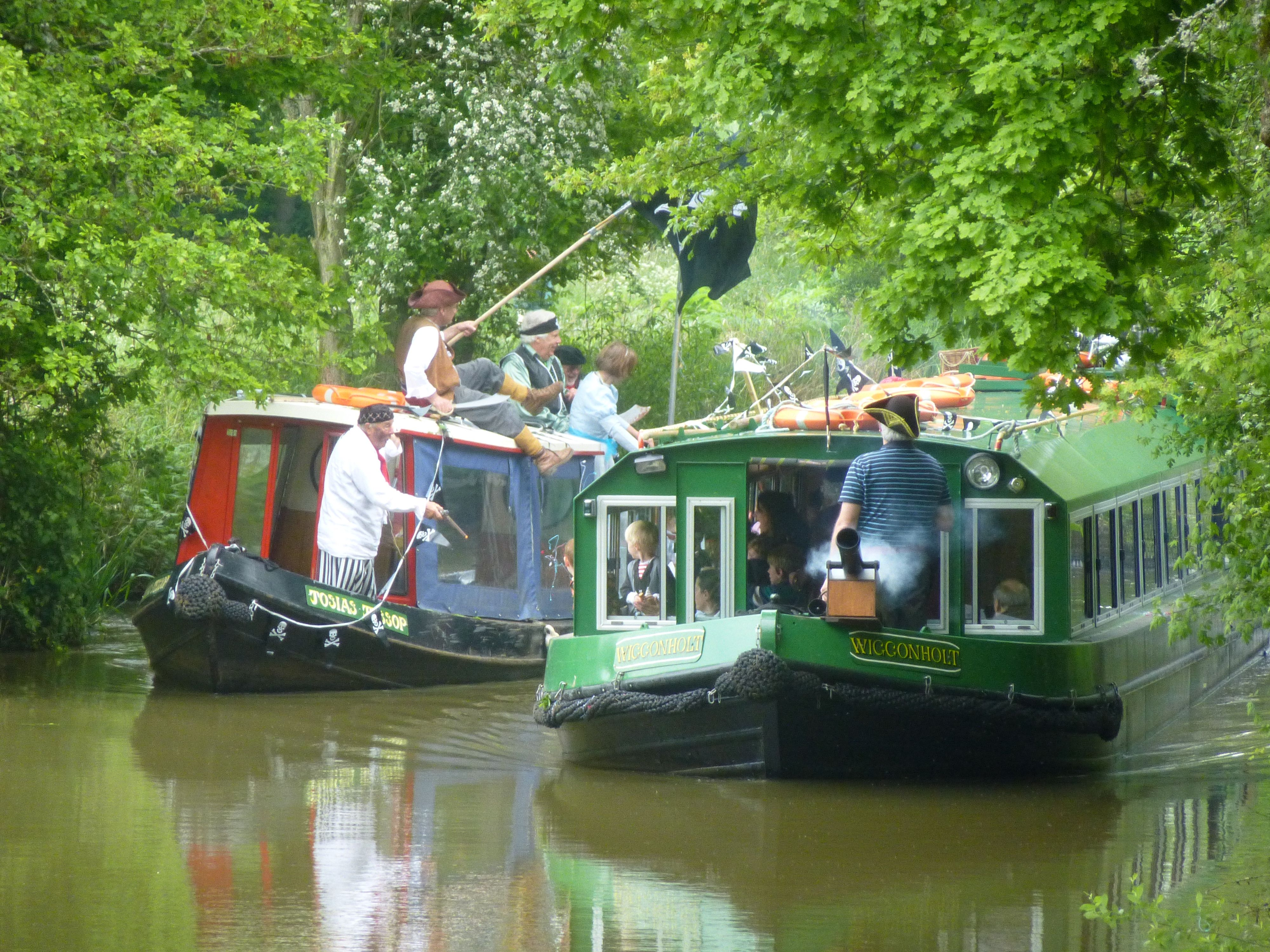 Pirates & Princesses cruises on the Wey & Arun Canal in ...