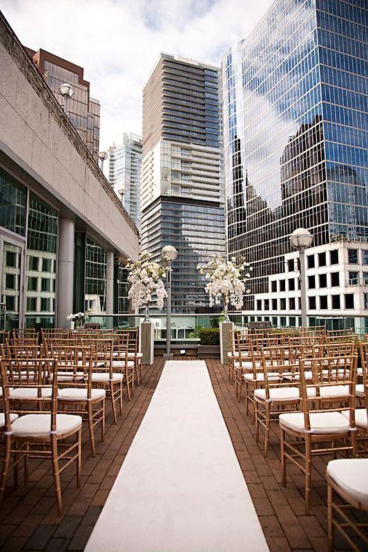 Hochzeitsgang auf dem Dach   – Dream wedding