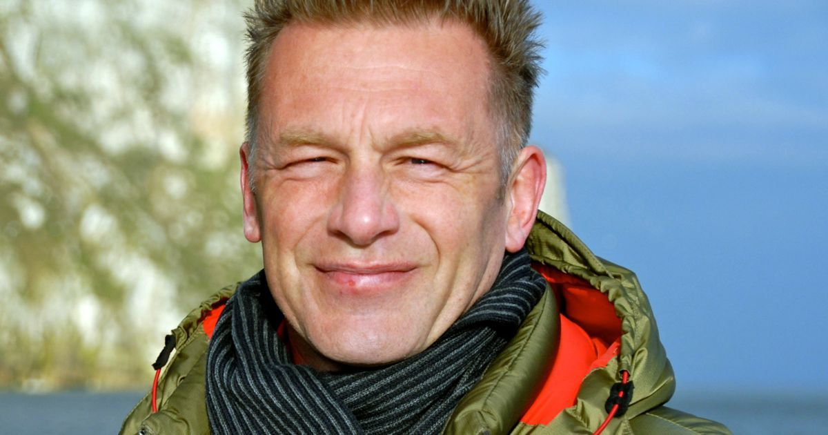 The BBC presenter has written to chief executive Steve Rowe to argue that the management of the birds' moorlands is unethical