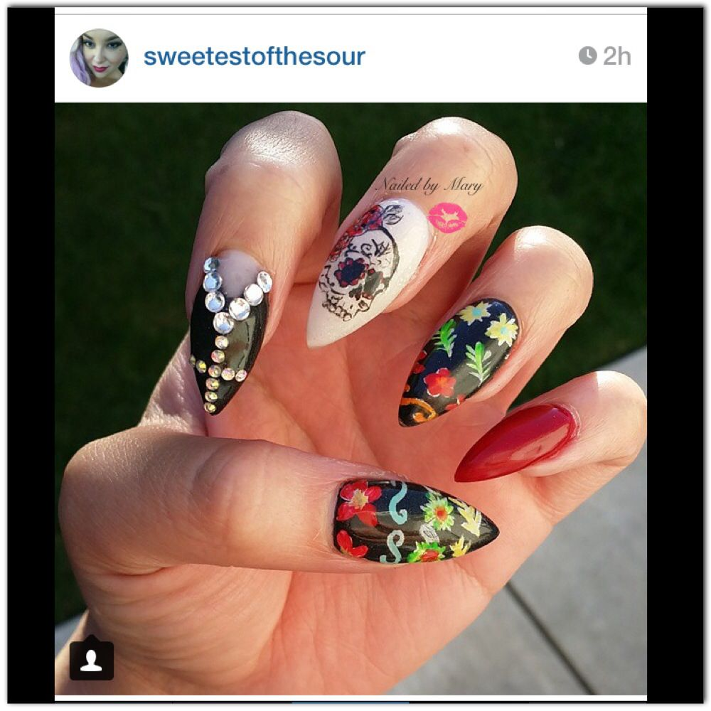 Sugar skull day of the dead stiletto nails | Nailed by Mary | Pinterest