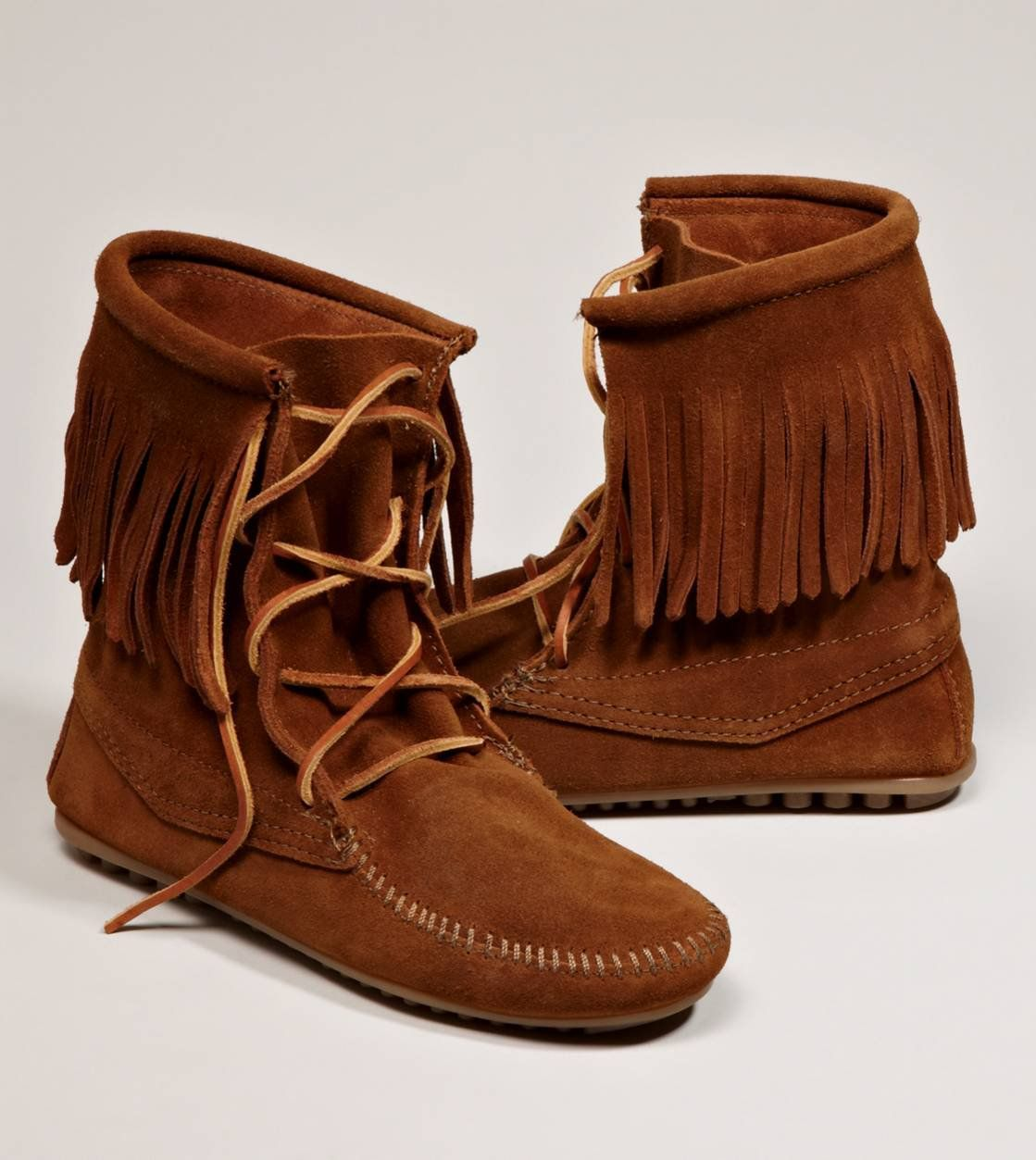 Minnetonka Tramper Ankle Hi Boot American Eagle Outfitters Fringe Boots Boots Minnetonka Fringe Boots