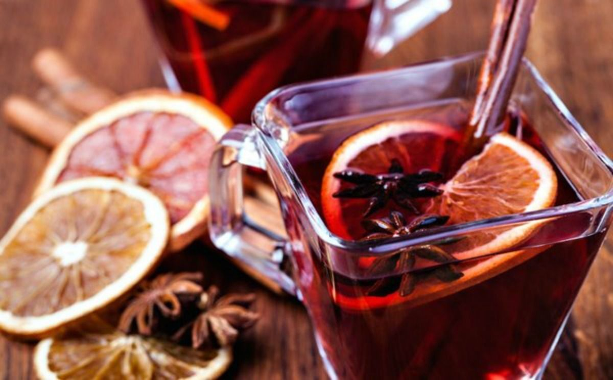 How To Make Mulled Wine For Holiday Celebrations In 2020 Mulled Wine Wine Recipes