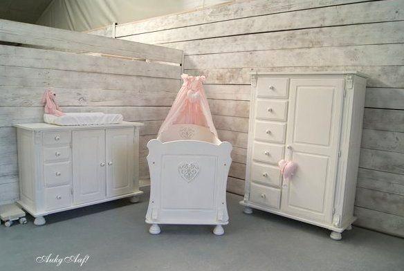 brocante babykamer met harten - sfeervolle meubelen, Deco ideeën
