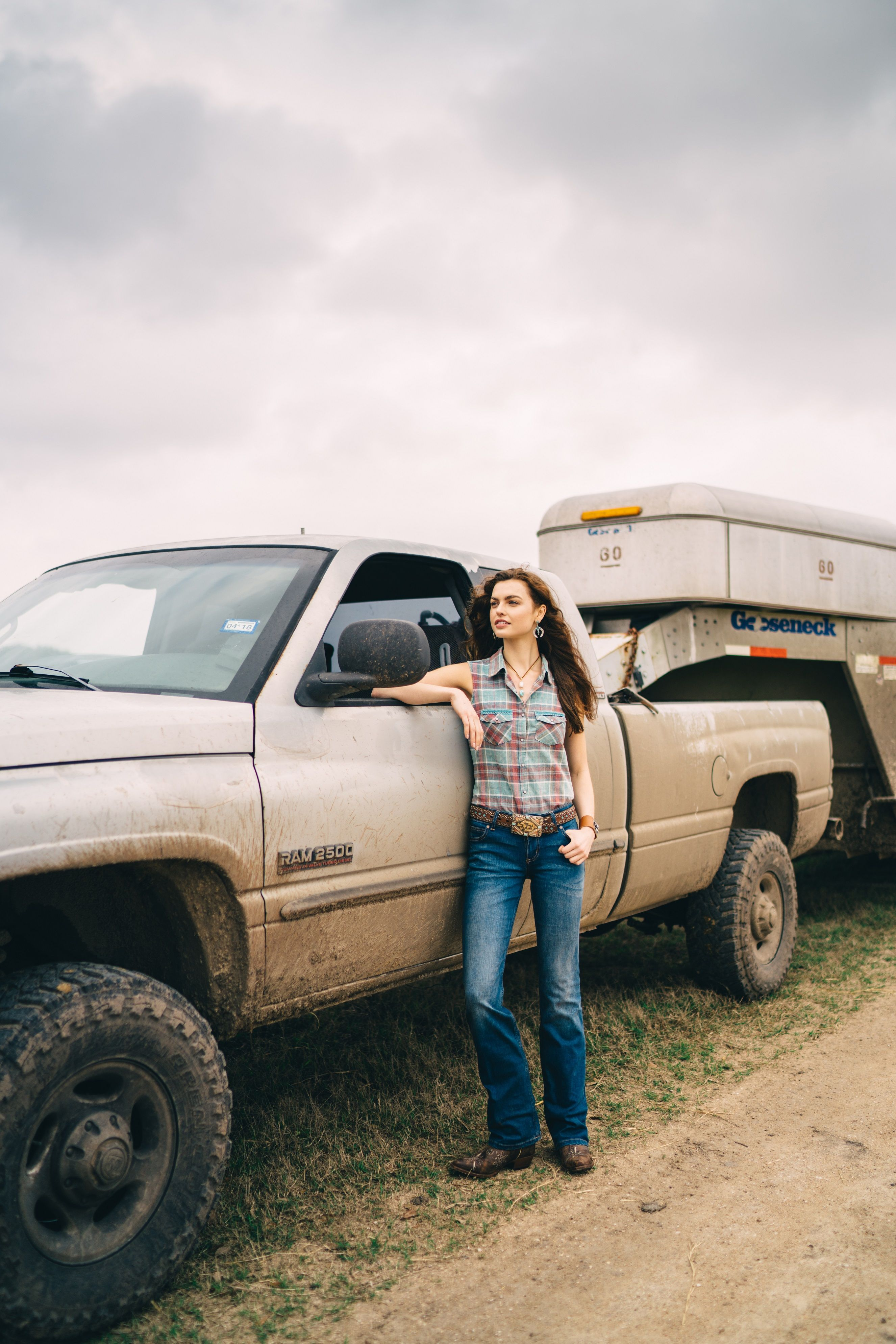 2019 year looks- Boots cowgirl on a truck photography