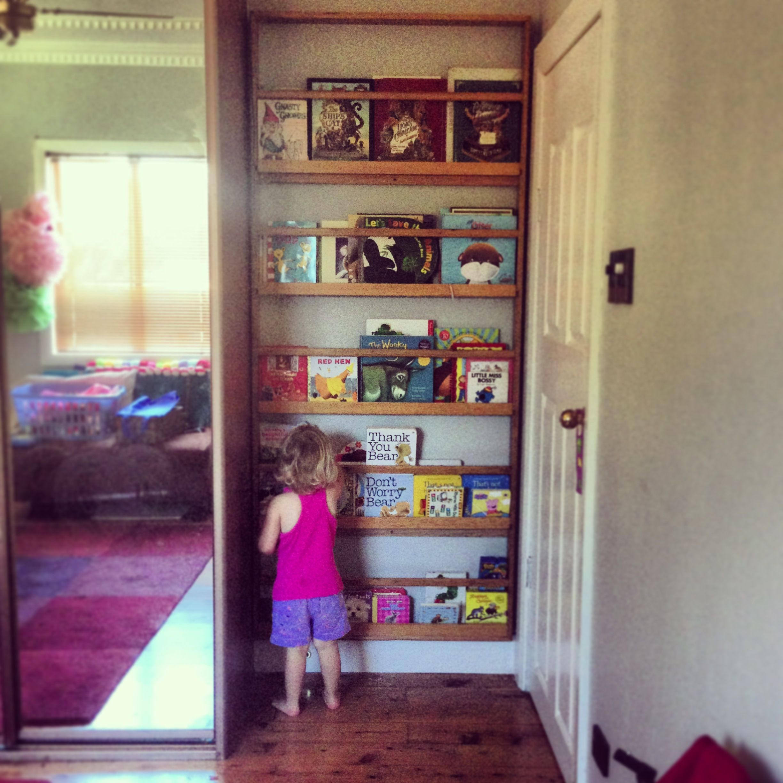 Best Kids Bookshelf Fitted In Space Behind A Door 640 x 480