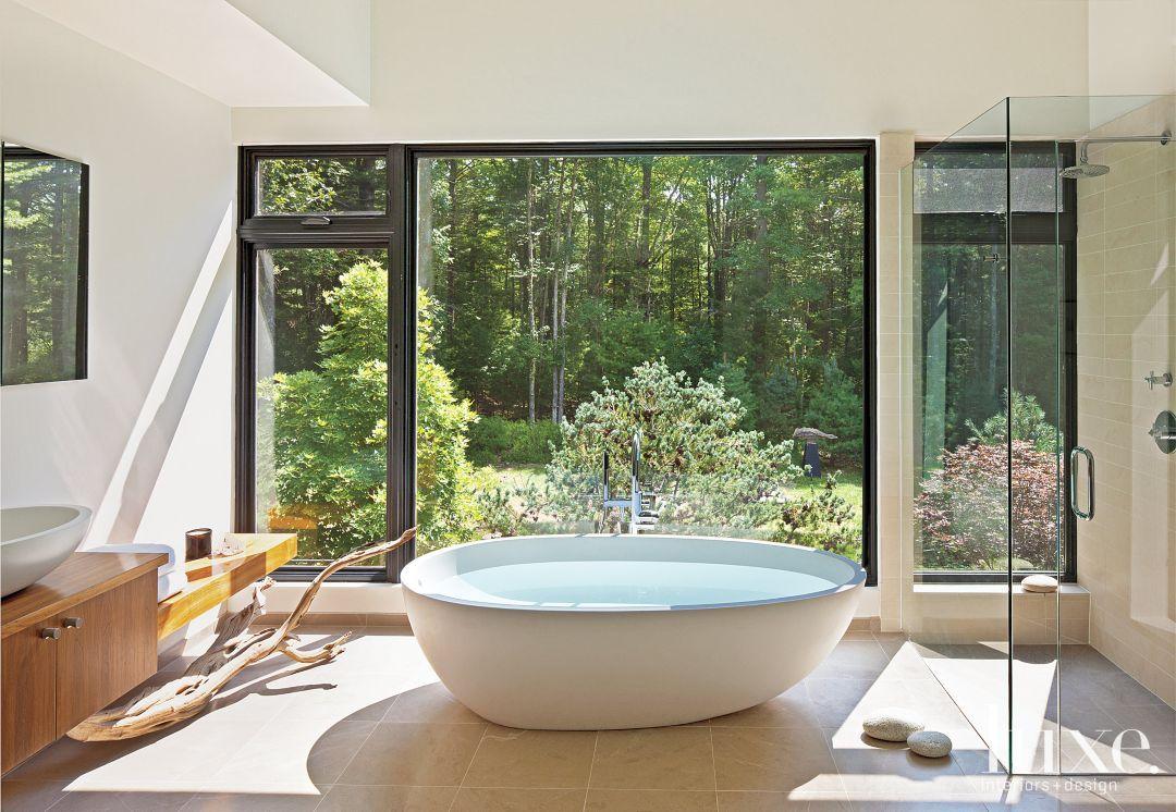 Dschungel badezimmer dekor  master bathrooms with luxurious freestanding tubs  luxedaily