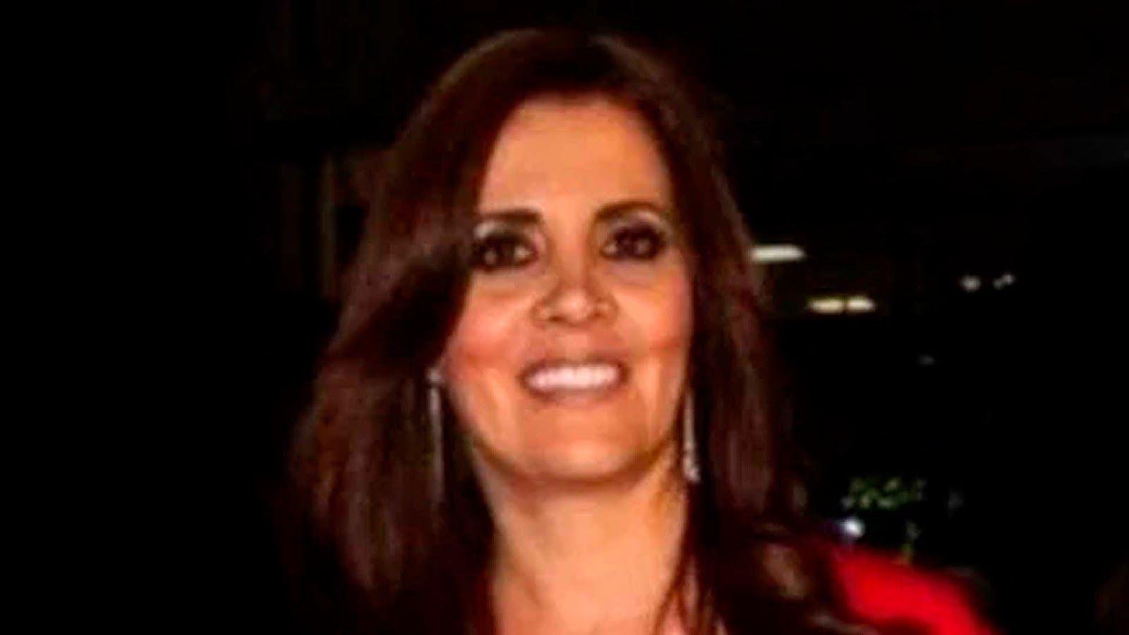 La noche de este sábado falleció Grimy Muñoz Tovar, ex esposa del Gobernador del Estado de México, Eruviel Ávila Villegas, de acuerdo con ...
