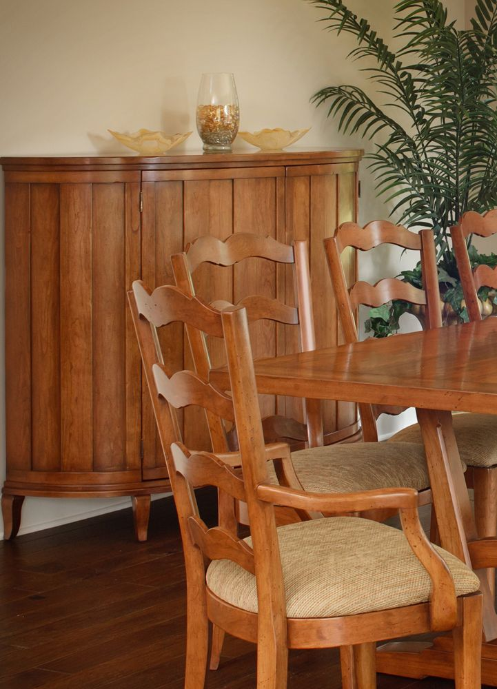 Zimmerman Chair | Old World Heirlooms Collection Dining Furniture