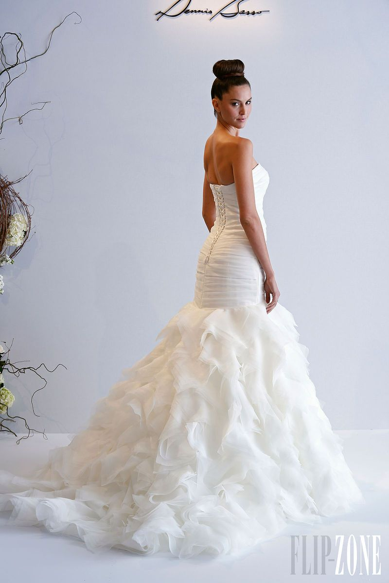 Dennis Basso for Kleinfeld - Bridal - 2013 collection - http://en.flip-zone.com/fashion/bridal/ready-to-wear/dennis-basso-for-kleinfeld
