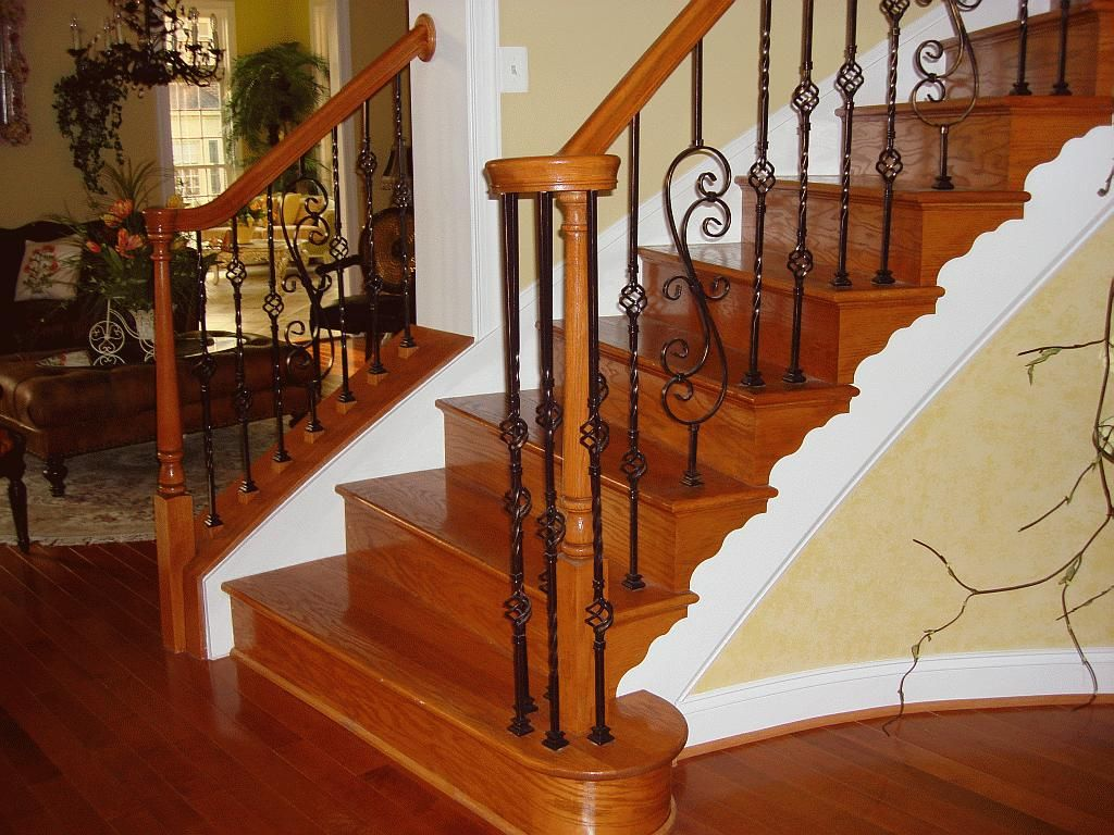 Interior beautiful varnished wooden railing star design for Modelos de gradas