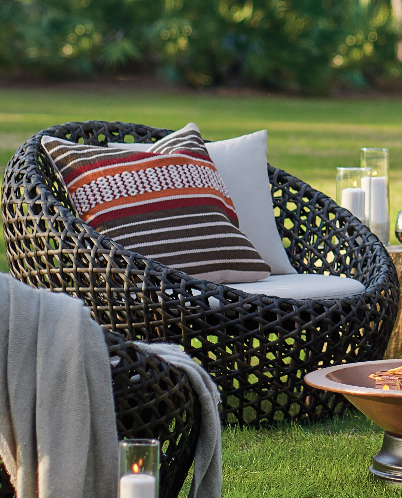 Cocoon chair outdoor - Uncomplicated Modern Form Is Always Transformative Which Is Why The Mason Cocoon Chair By David