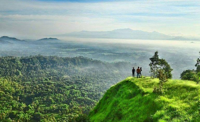 26 Pemandangan Indah Di Jawa Timur 10 Tempat Wisata Di Ponorogo Dengan View Keren Yang Mengagumkan Di 2020 Pemandangan Perjalanan Pertualangan Fotografi Perjalanan