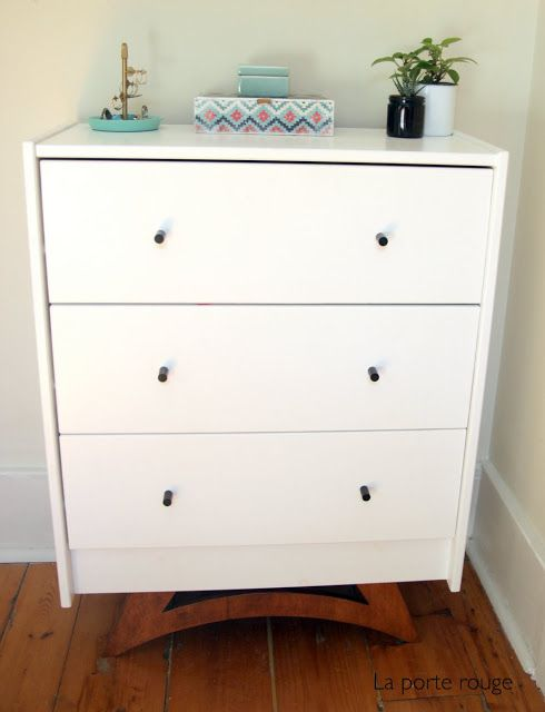 la porte rouge ikea hack commode rast diy d co petit meuble d appoint deco chambre et deco. Black Bedroom Furniture Sets. Home Design Ideas