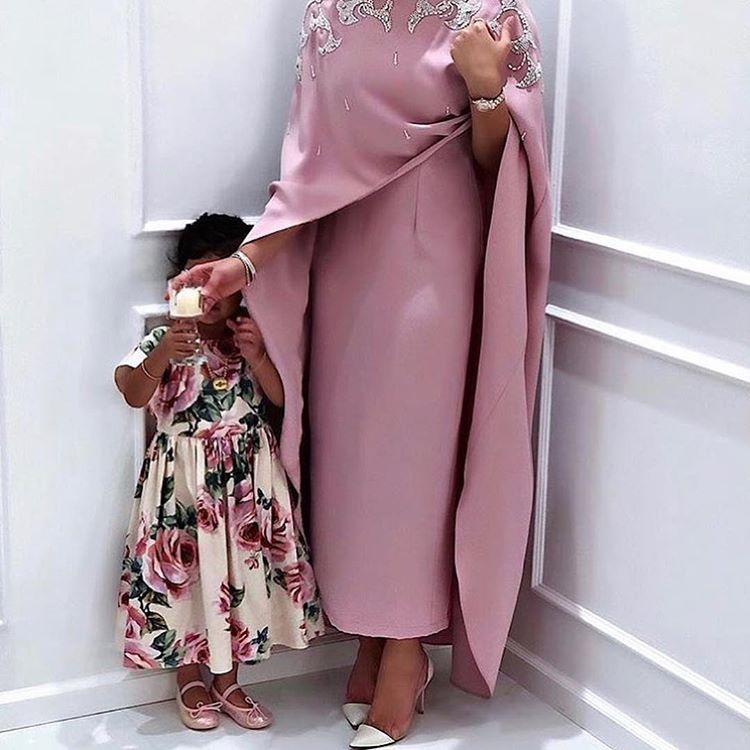 جميييله اعجبتني مره زواج افراح شنط كوش مكياج عرس ملكه شبكه افراح تساريح عرايس ع Islamic Fashion Dresses Fashion Dress Party Modest Fashion Outfits