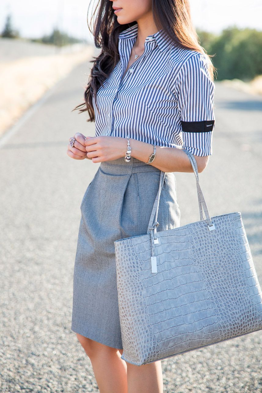 how to wear grey skirt