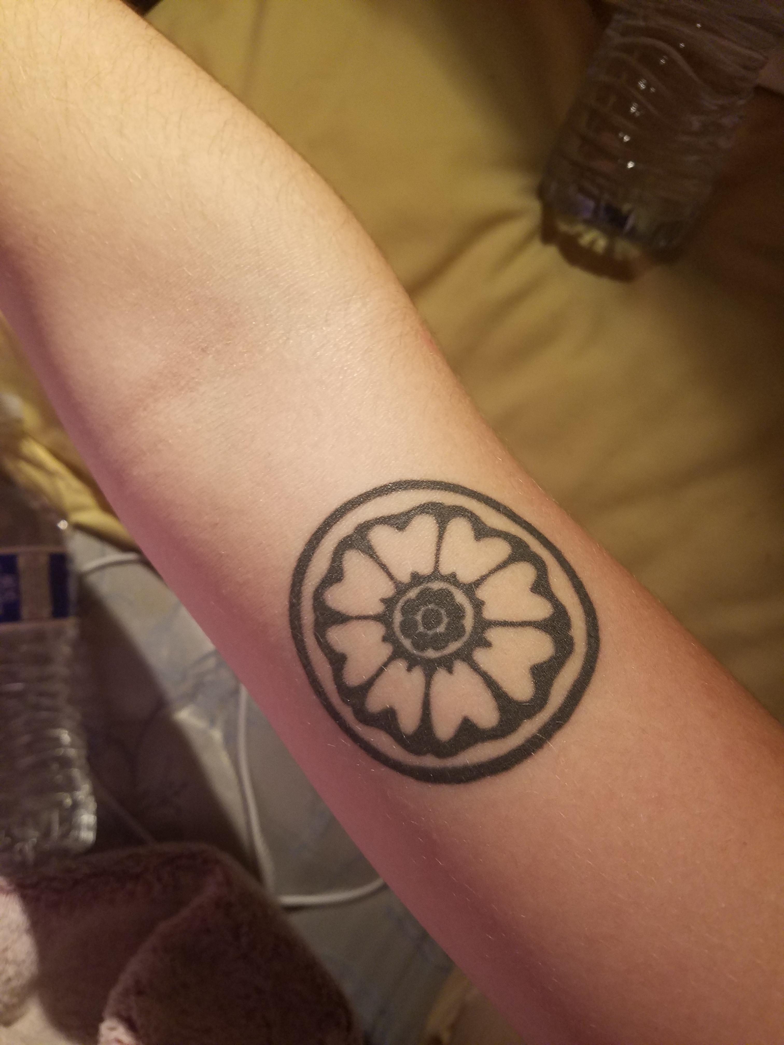 White Lotus Tile Tattoo : white, lotus, tattoo, Uncle, Iroh's, White, Lotus, Tile., Oscar, Garcia, Heart, Gold., Utah., Tattoos,, Tattoo,, Avatar, Tattoo