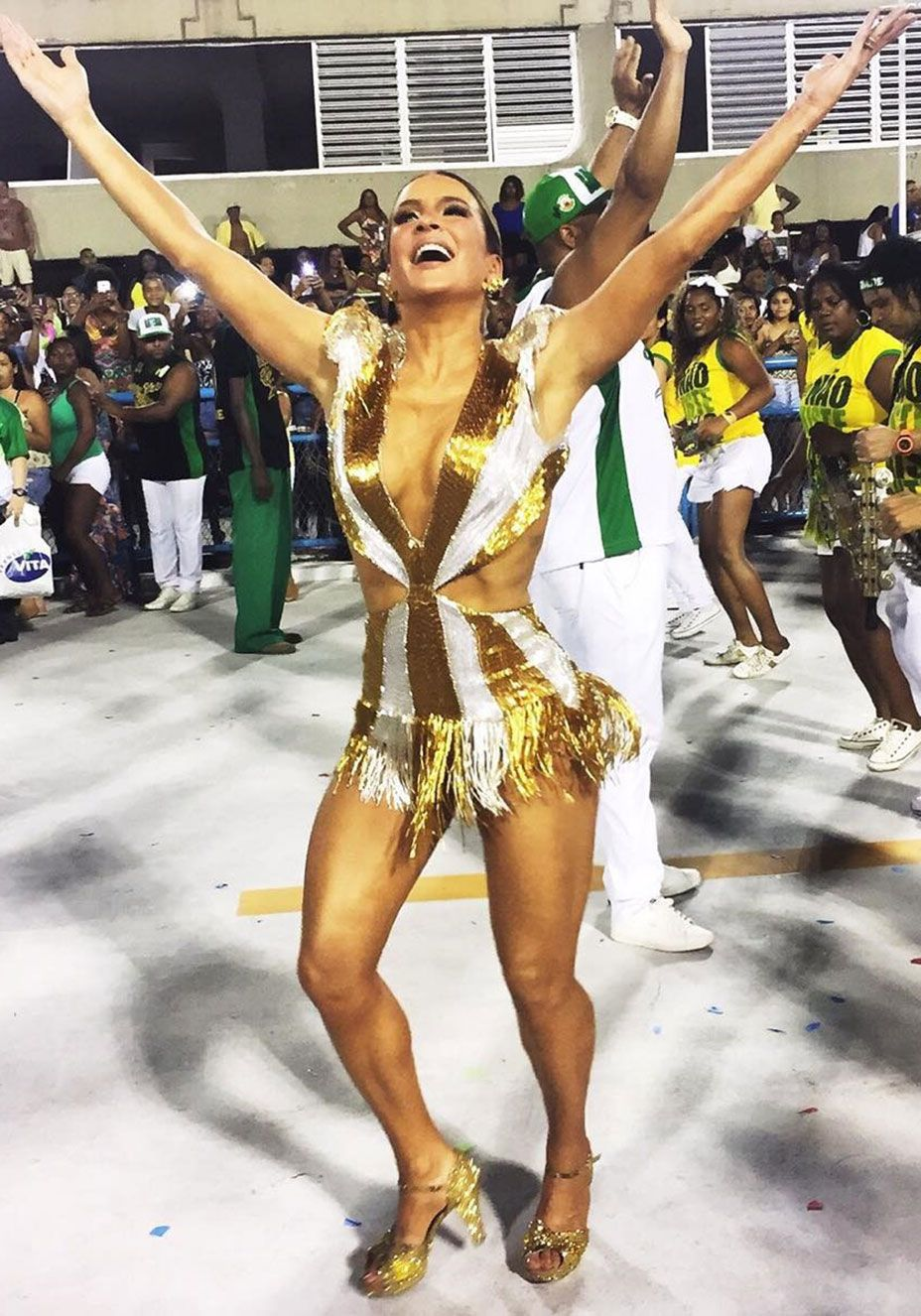 Sabrina Sato, Anitta, Claudia Leitte… As musas do Carnaval 2016 ... 62cecd0238