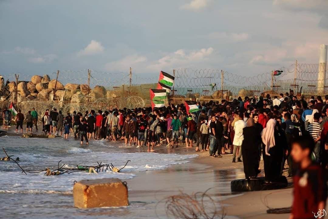 جانب من أحداث الحراك البحري ضمن فعاليات مسيرة العودة شمال قطاع غزة امس تصوير عطية درويش Dolores Park Park Travel