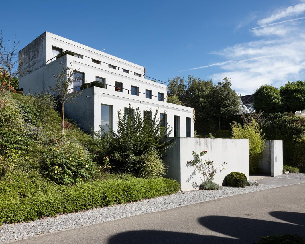 Haus E17 Metzingen Germany 2012: Rojekt Thematisiert Einen Topographiebegleitenden
