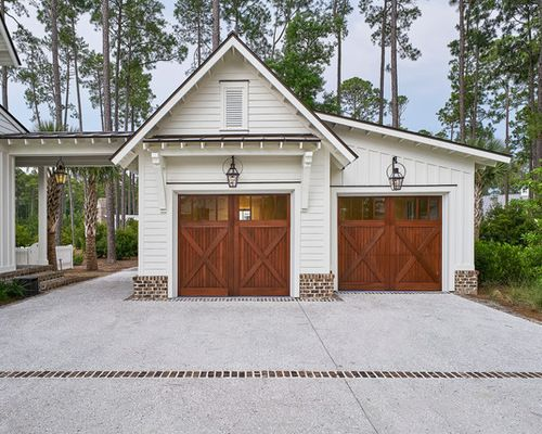 Detached garage design ideas remodels photos for Low country house plans with detached garage
