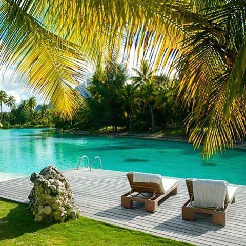 St Regis, Bora Bora - Tahiti  Credits ✨@kobechanel✨