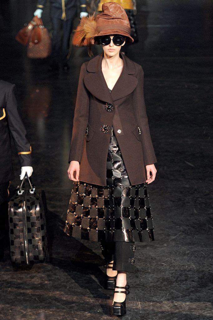 Louis Vuitton Fall 2012 - Agata Rudko
