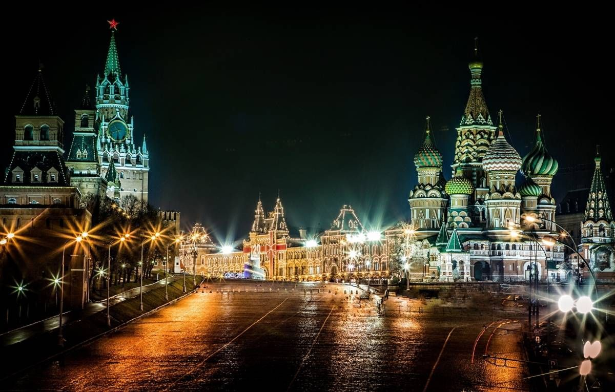 Welcome To Join This Exciting Private Tour In Russia With A Local English Speaking Tourist Guide Night Moscow Autotour With Ele In 2020 World Images Night City Photo