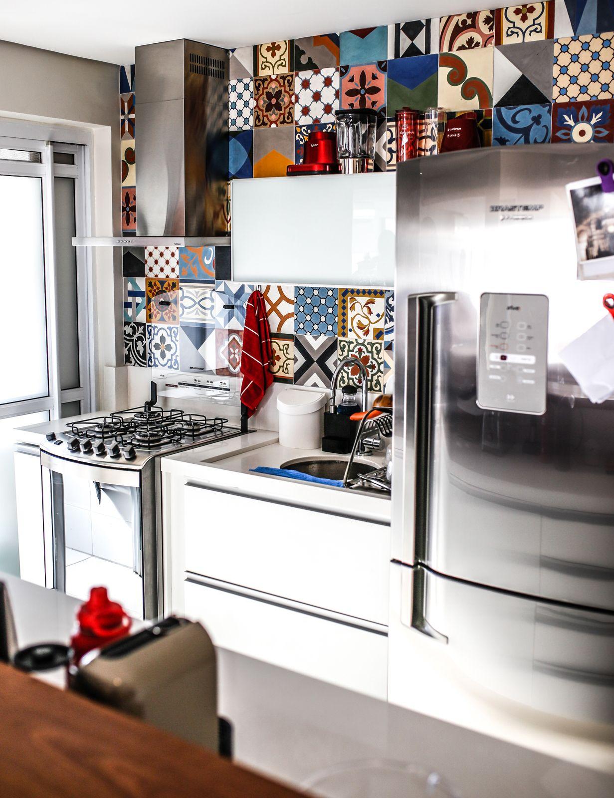 Cozinha Com Ladrilho Hidr Ulico Na Parede