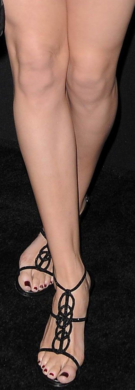 Worn by Danielle Panabaker.