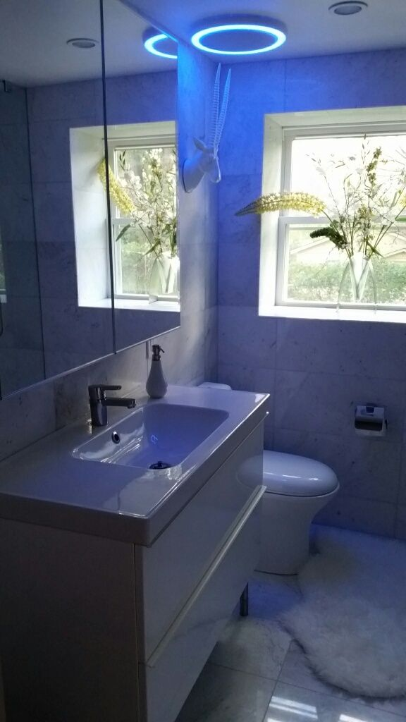 Bathroom Extractor Fan With Light: Marble Bathroom Blue Light Extractor Fan With Bluetooth