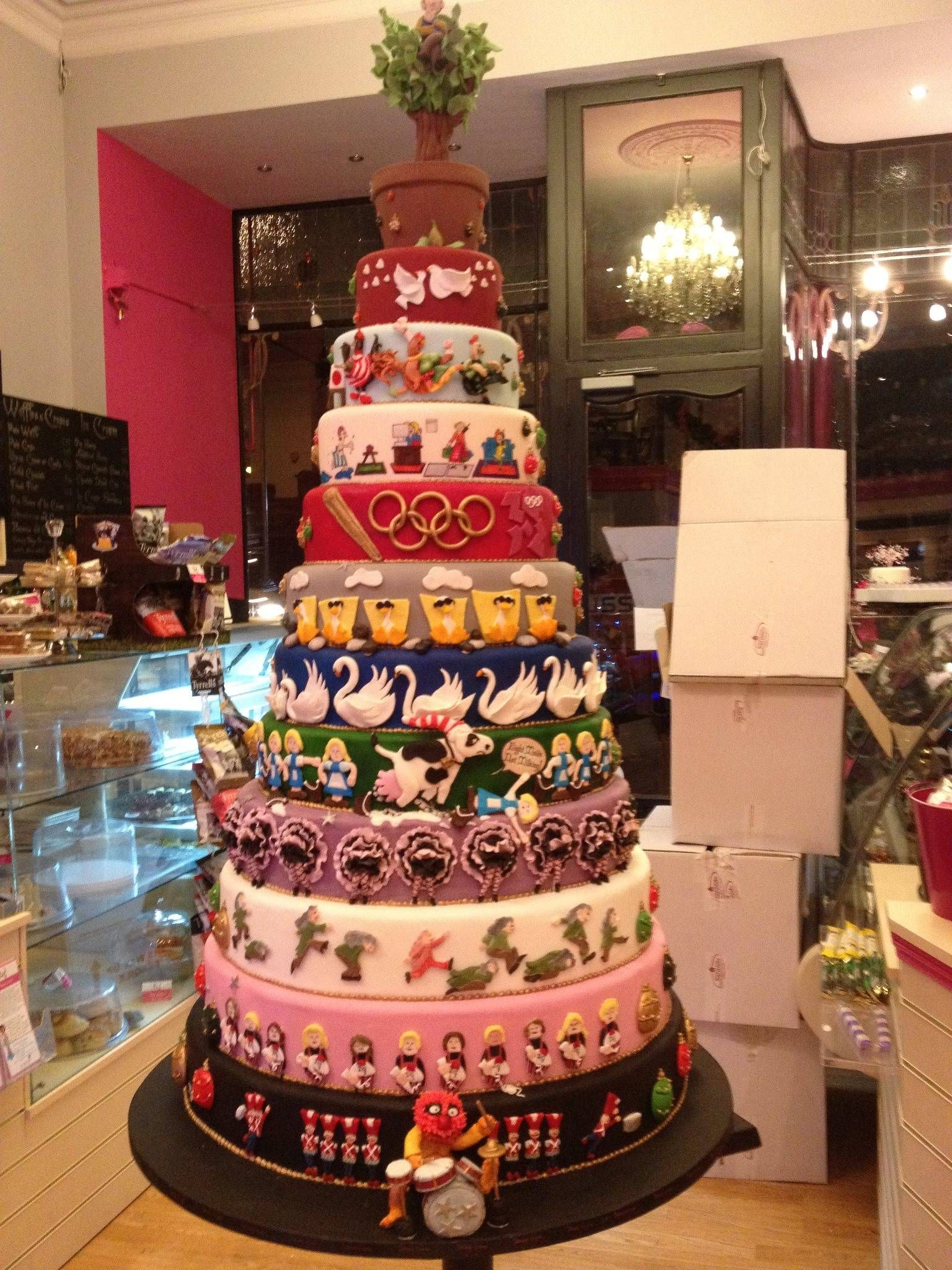 12 Days Of Christmas Cake Love How They Interpreted Each Tier Uniquely The La S