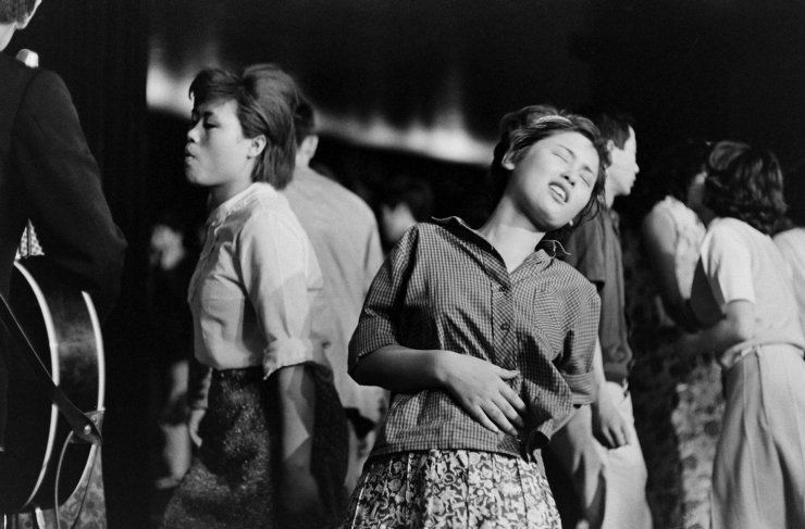 """Michael Rougier—Time & Life Pictures/Getty Images Dancing to the """"Tokyo Beatles,"""" 1964."""