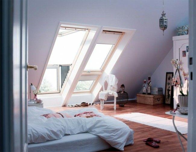Helle Farben Einfache Komfortable Möbel Modernes Schlafzimmer Auf De.  Dachboden. RaumgestaltungInnenarchitekturModernes ...