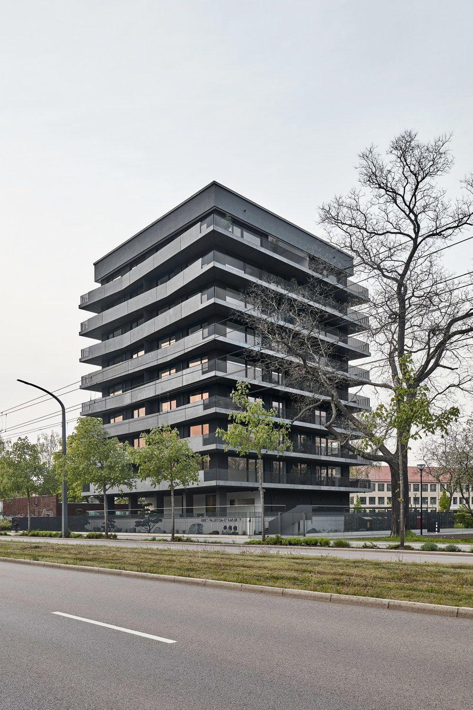 Architekten In Dresden ausdruckstanz mit schwarzbeton wohnhochhaus in dresden leinert