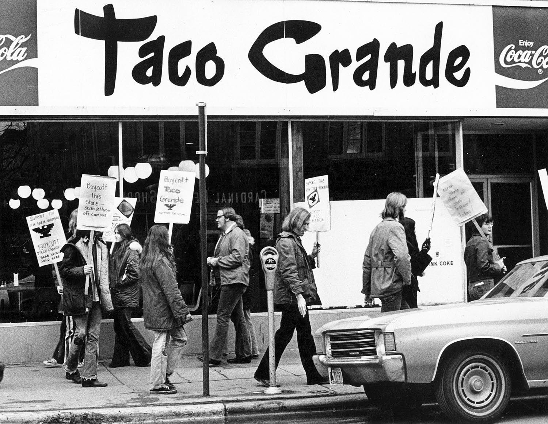 Title Lettuce Protest Creator Simon Geoff Date Ca 1970 1979 Place Madison Wisconsin Description Students Prote Taco Grande Uw Madison Madison