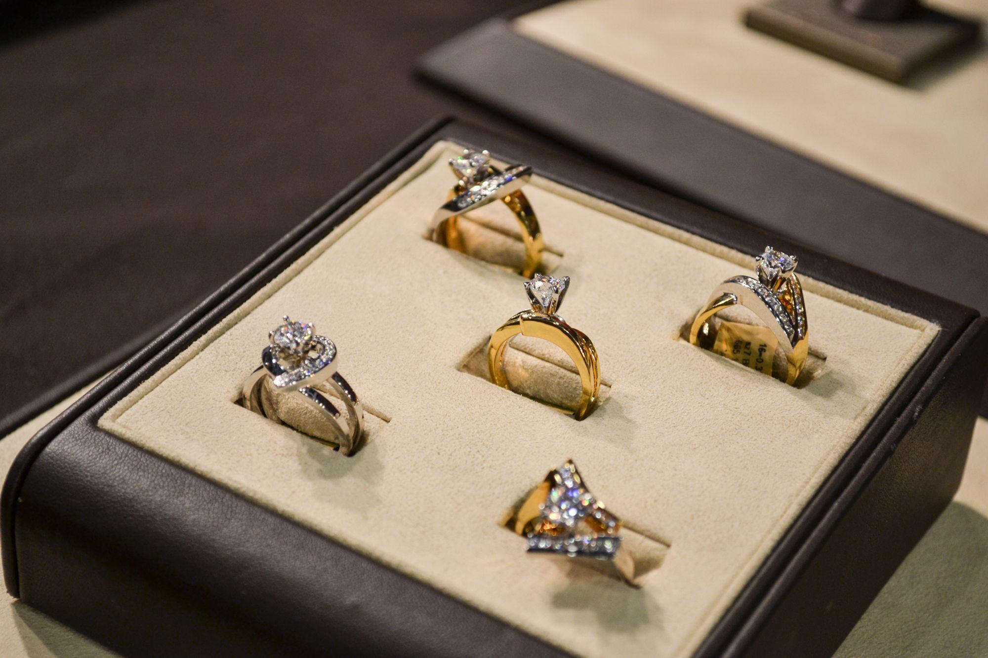 JF Kruse Jewelers #WeddingBand #EngagementRing