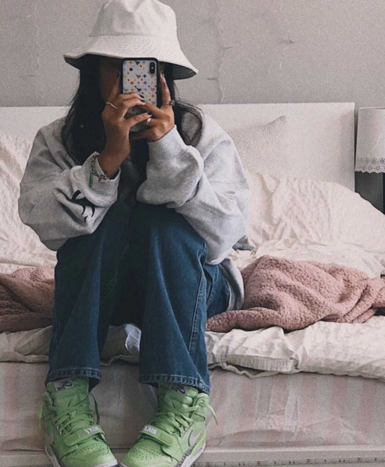 Audrey Mika Baggy Streetwear Neon Grey Bucket Hat Skate Jeans Audrey Mika Baggy Streetwear Neon Outfits With Hats Retro Outfits Cute Casual Outfits