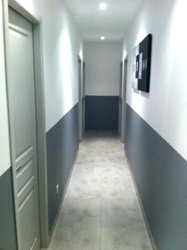 Peindre Un Couloir En 2 Couleurs Idee Deco Peinture Couloir ...