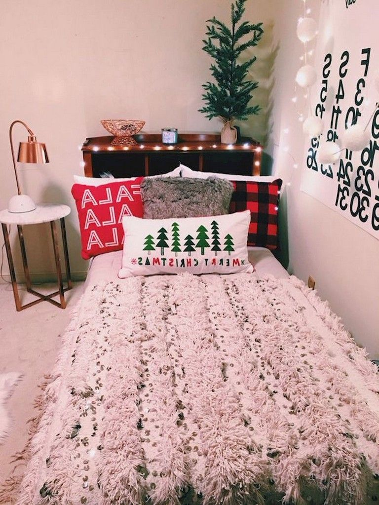 80 Good DIY Dorm Room Decorating Ideas bedroom Christmas bedroom