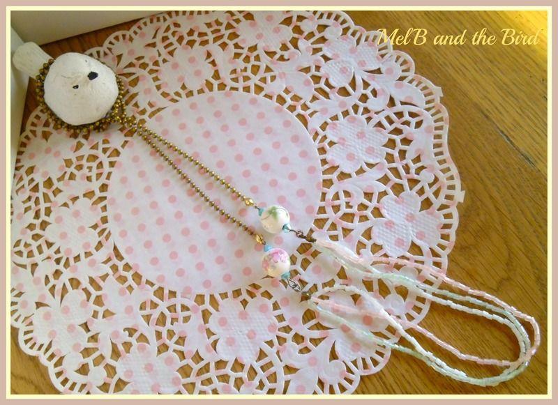 Collier chaine boules bronze, 3 rangs perles de rocailles( pastel), perles céramique, mini perles à facettes