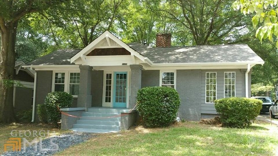 Recently sold: $165,000. Charming renovation in desirable East Lake subdiv.  Amazing location, short walk to Decatur, Oakhurst and across the street from the East Lake Country Club. Walk to shopping, Marta, to parks; minutes from downtown. Features 3 bed/2 baths with an amazing sunroom. Luxurious finishes throughout.  Master features renovated bath, fireplace and spacious closet. Kitchen is high end granite w/stainless appliances,quality cabinetry.  Original hardwood floors add to the…