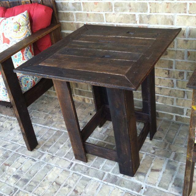 best 25 pallet side table ideas on pinterest rustic. Black Bedroom Furniture Sets. Home Design Ideas