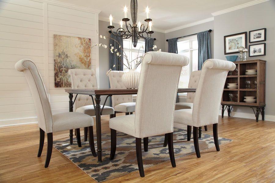 Table de salle à manger - 250,00$ Légèrement endommagé Collection - modele de salle a manger design