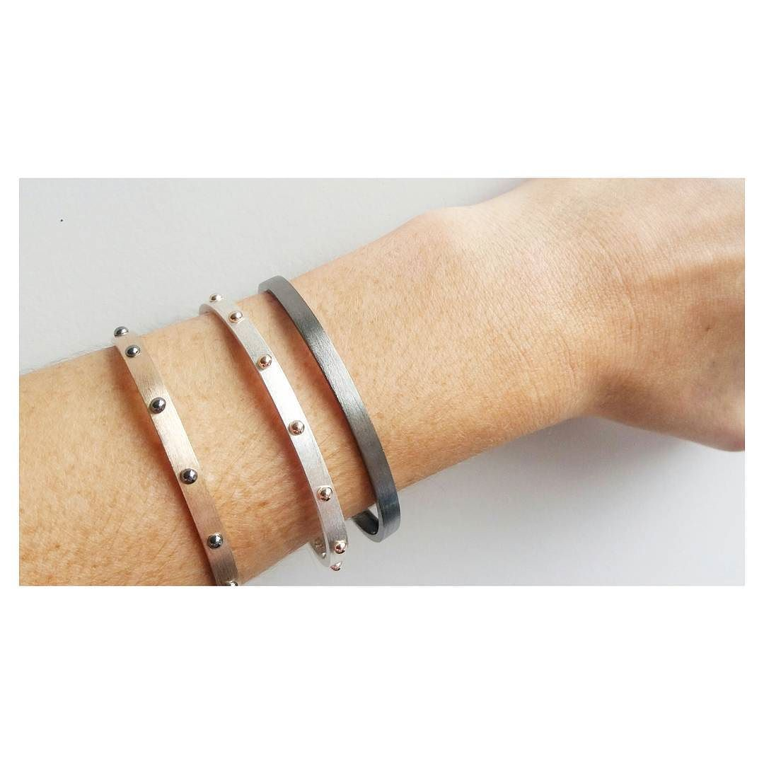    um de cada    Braceletes #copella para #covenoficial [À venda nas lojas Coven BH e SP]