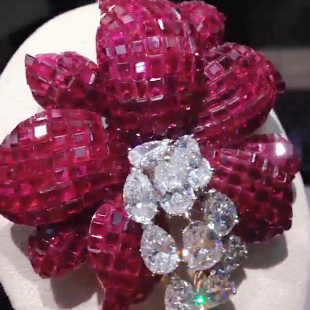 @mei_christies. ❤️❤️❤️mysteryset #ruby and #diamond #brooch by #VanCleefandArpels ... ✨✨✨