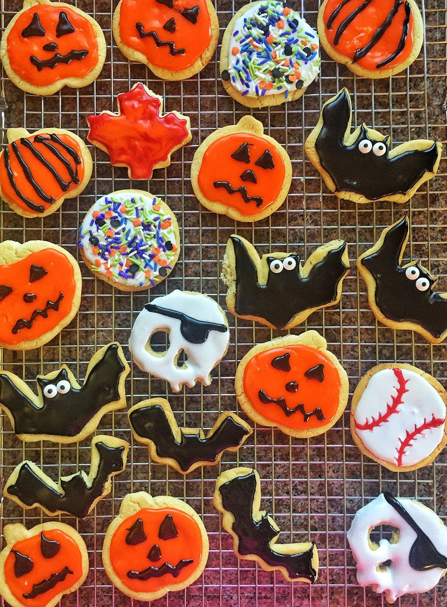 Super Easy Halloween Sugar Cookies - Done with ready-made ...
