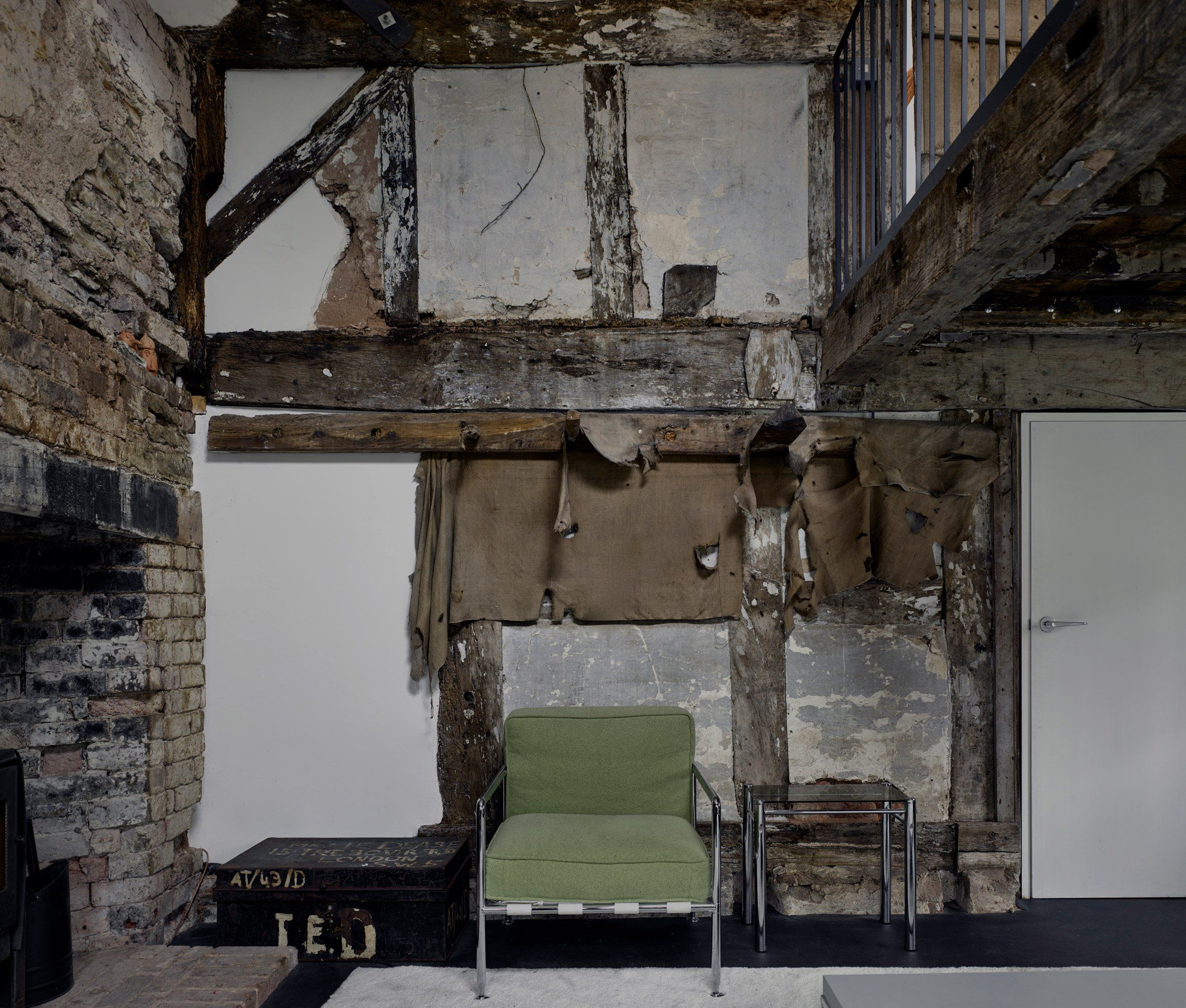 Architects Preserve Rotting Structure In Conversion Of 18th Century Cottage Small Cottage Homes Cottage Homes Architect