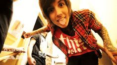 GIF - Oliver Sykes