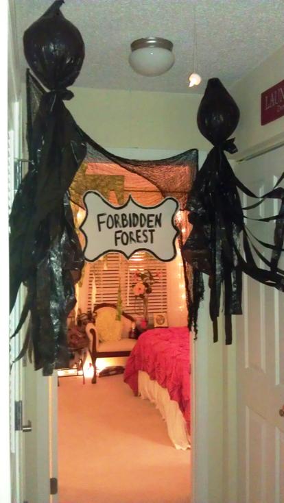 Block of areas for kids not to go with dementors and a forbidden forest sign!