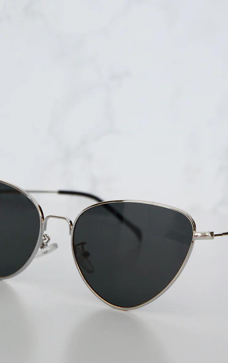 Black Cat Eye Lens Retro Sunglasses In 2020 Black Cat Eyes Retro Sunglasses Girl With Sunglasses